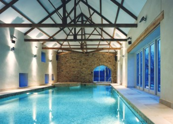 Rectangular indoor swimming pool design and architecture in Houston TX